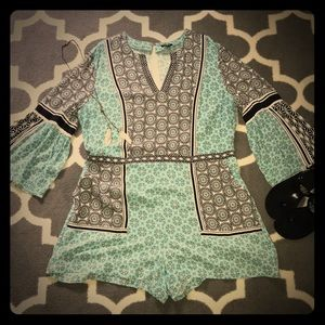 LOFT Statement Sleeve Romper